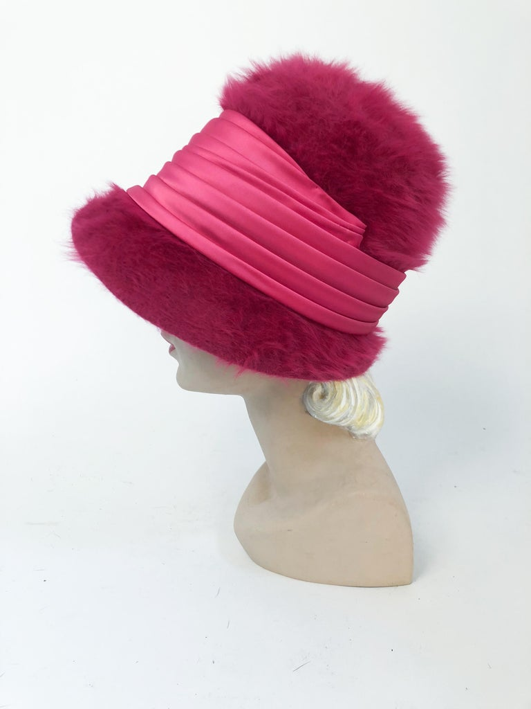 1960s Hot Pink Angora Cloche with Satin Hat Band In Good Condition For Sale In San Francisco, CA