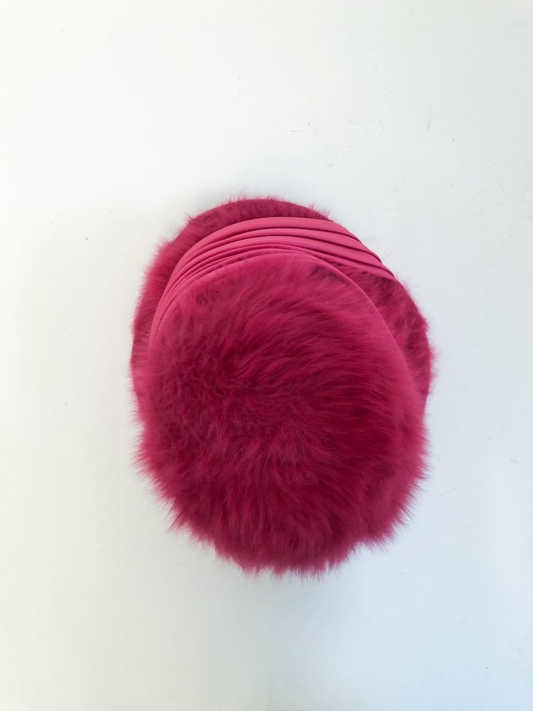 1960s Hot Pink Angora Cloche with Satin Hat Band For Sale 2