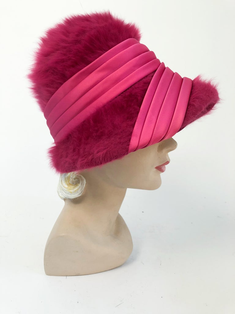 1960s Hot Pink Angora Cloche with Satin Hat Band For Sale 1