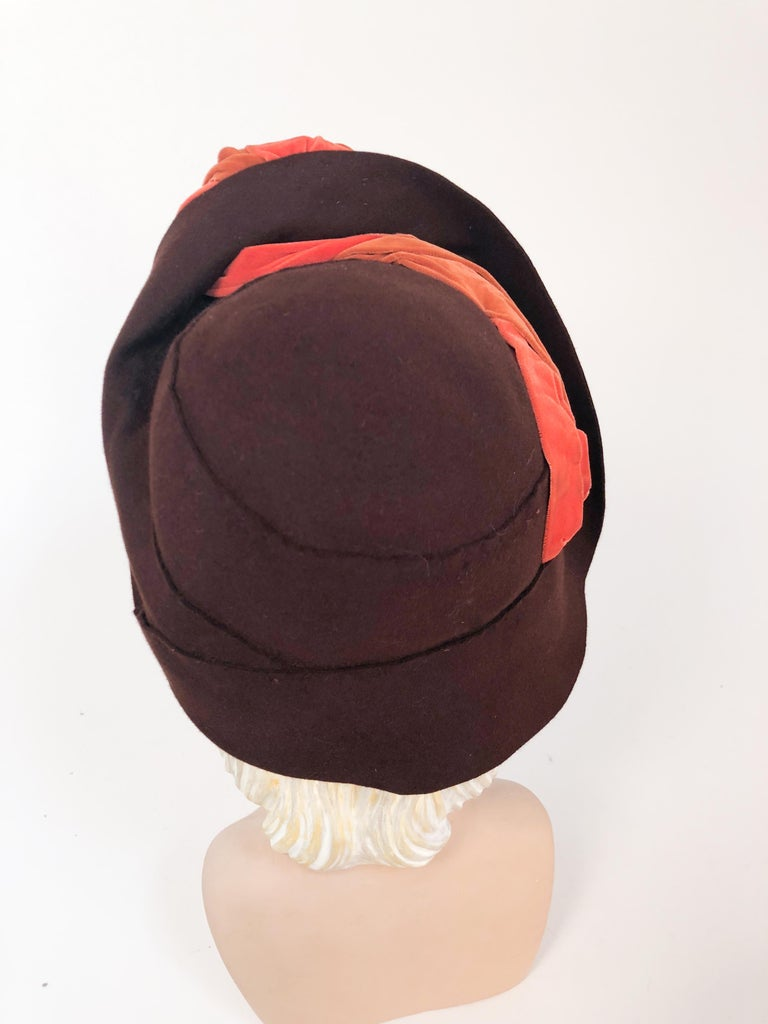 Women's 1930s Brown Fur Felt Hat with Multi-toned Cotton Velevet Twisted Accent For Sale