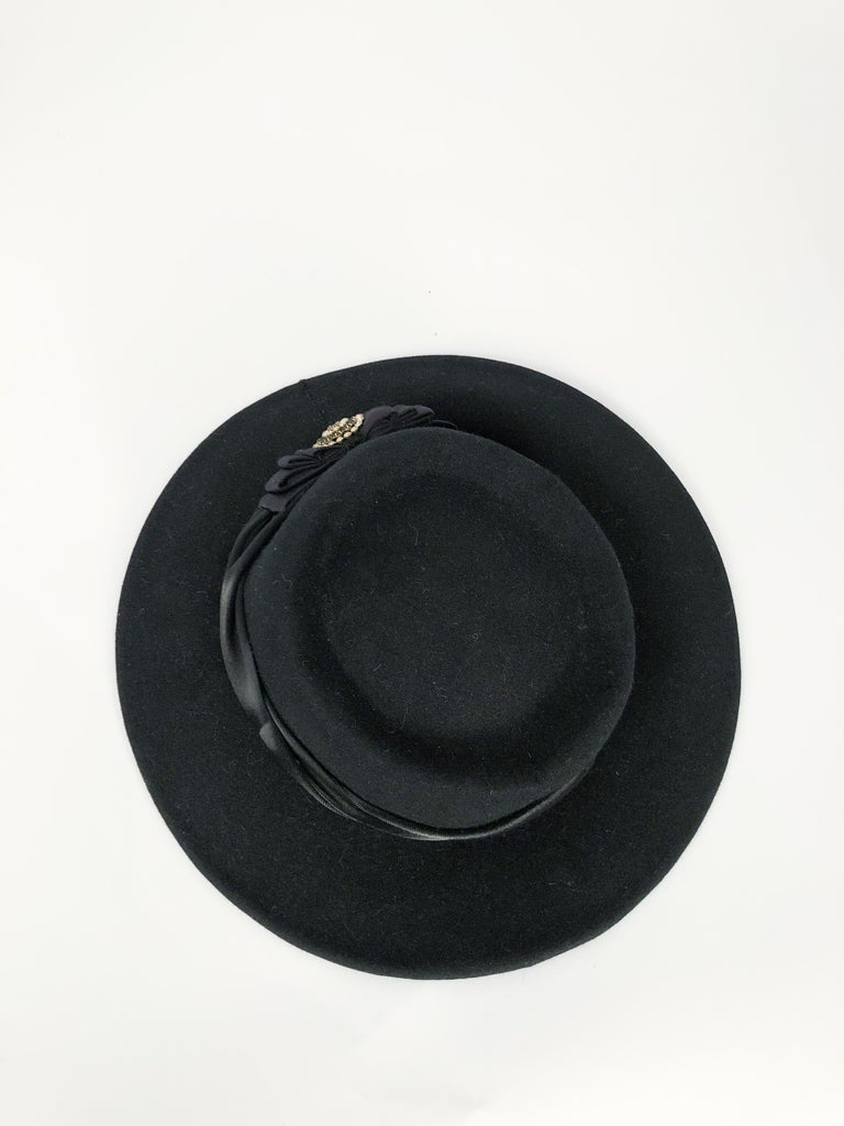 1940s Black Cashmere Hat With Silk Satin Band and Rhinestone Accent For Sale 3