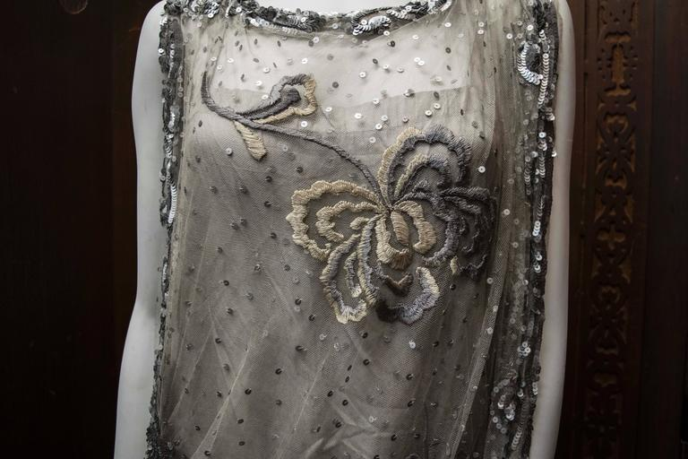 1920s Silver Lace Sequinned Dress For Sale 5