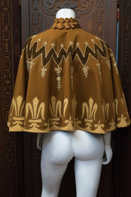 Victorian Cape In Excellent Condition For Sale In San Francisco, CA