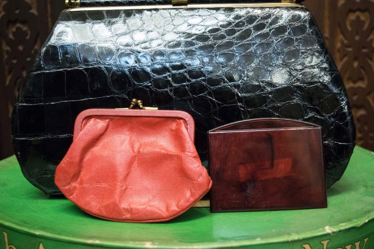1950s Bellestones Black Alligator Handbag For Sale 3