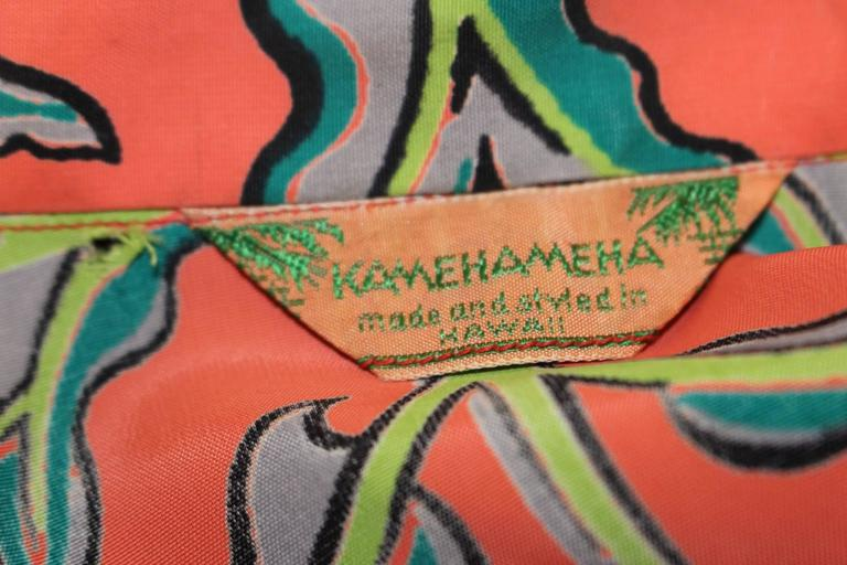 1950s Kamehameha Hawaiian Rayon Printed Blouse For Sale 2