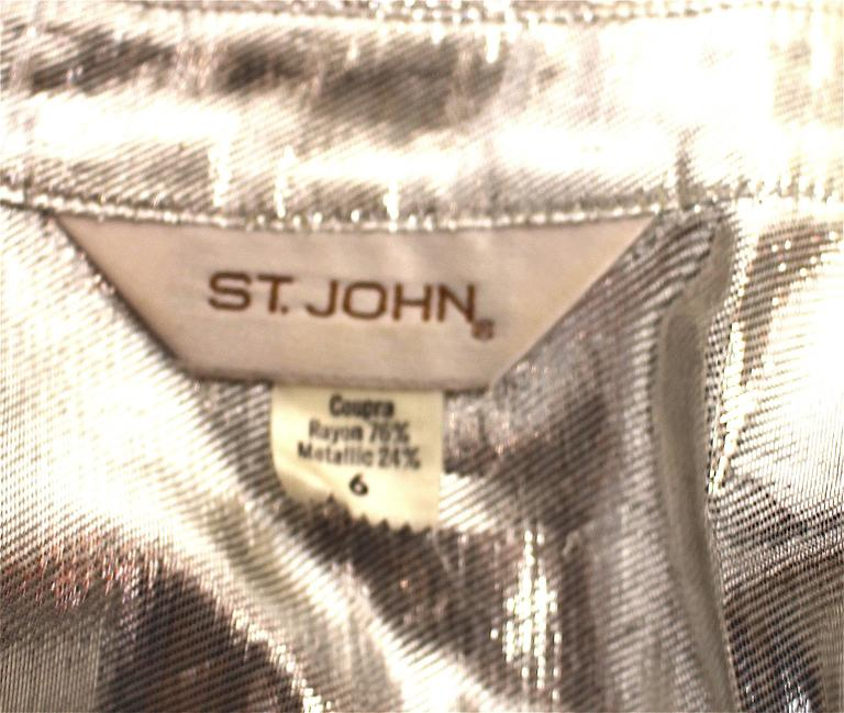 80s St John Metallic Bow Collar Blouse In Excellent Condition For Sale In San Francisco, CA