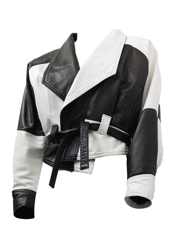 80s Black and White Napa Leather Cropped Jacket   In Excellent Condition For Sale In San Francisco, CA
