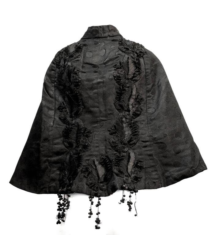 Victorian Black Jacquard Capelet  In Good Condition For Sale In San Francisco, CA