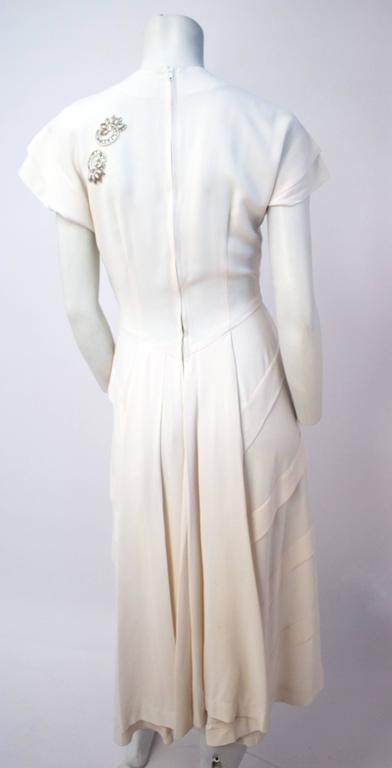 Women's 40s White Dress with Hand Beaded Appliqué For Sale