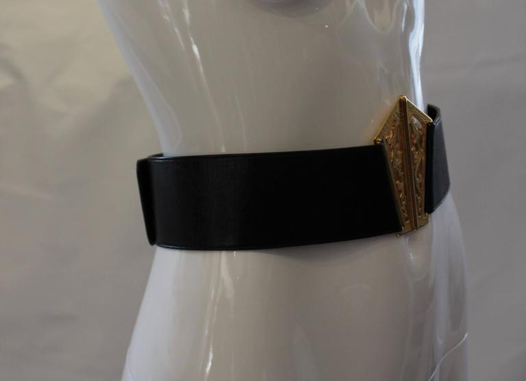 1980s Chanel Gold and Leather Belt  For Sale 3