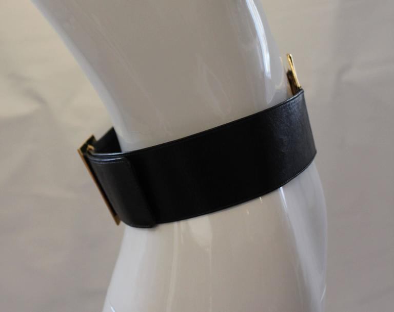 1980s Chanel Gold and Leather Belt  For Sale 2
