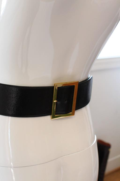1980s Chanel Gold and Leather Belt  For Sale 5