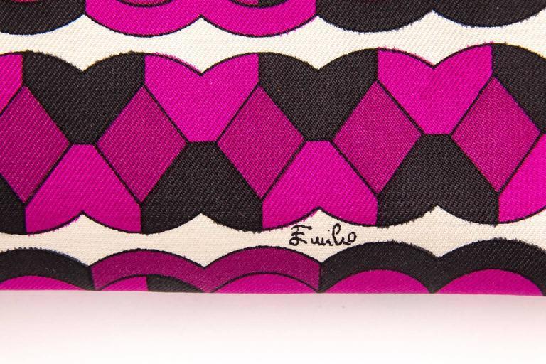 Vintage Emilio Pucci logo clutch wallet  For Sale 2