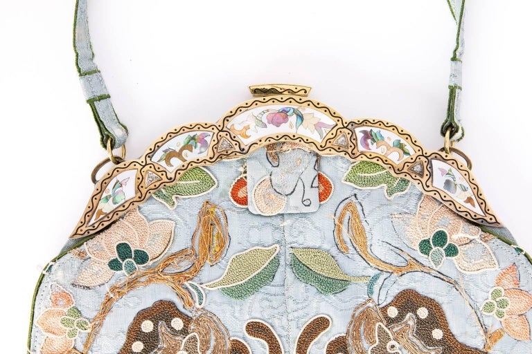 Ca.1910 Chinoiserie embroidered silk bag 3