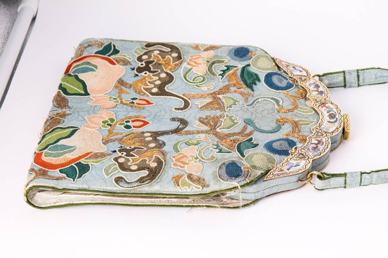 Ca.1910 Chinoiserie embroidered silk bag 7