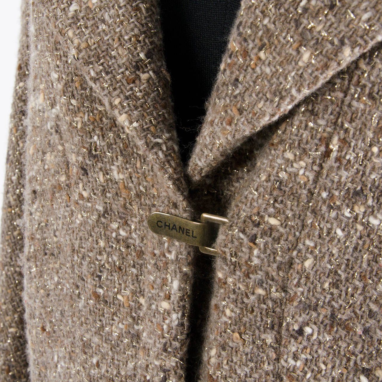 Chanel Tweed Brown Jacket In Excellent Condition For Sale In Antwerp, BE