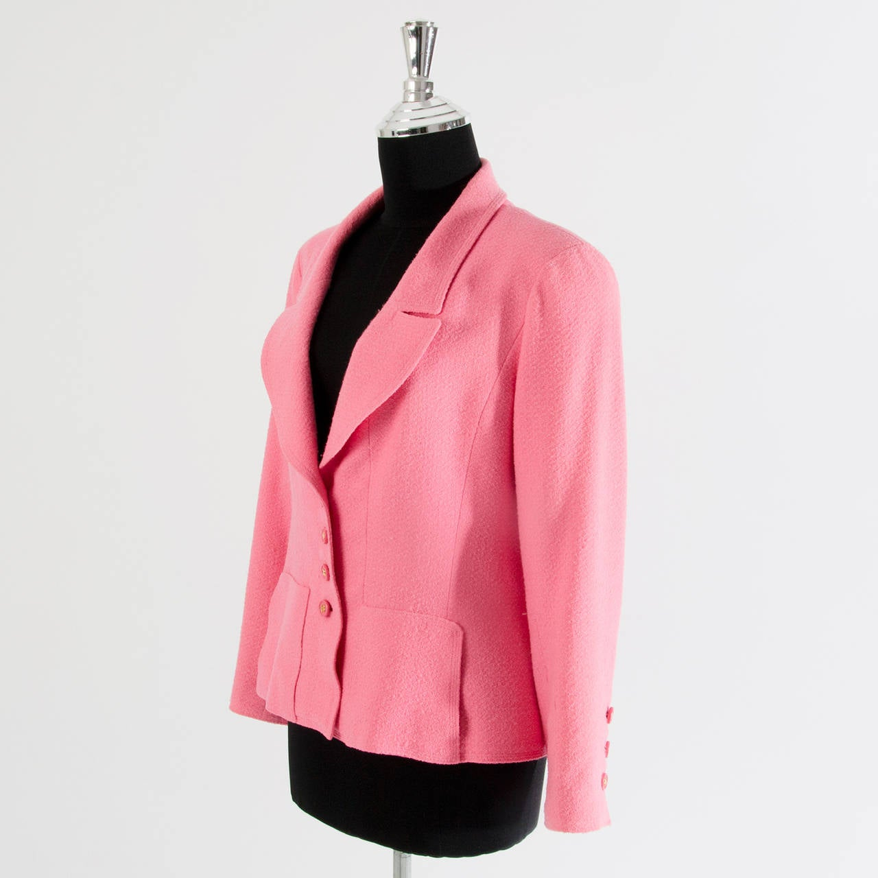 Chanel Pink Bouclé Blazer For Sale at 1stdibs