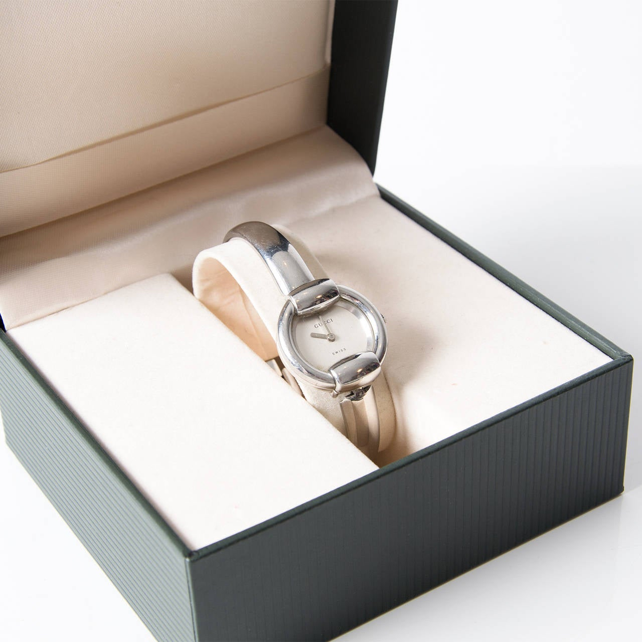 d81b5717280 Contemporary Gucci 1400l Stainless Steel Silver Tone Watch For Sale
