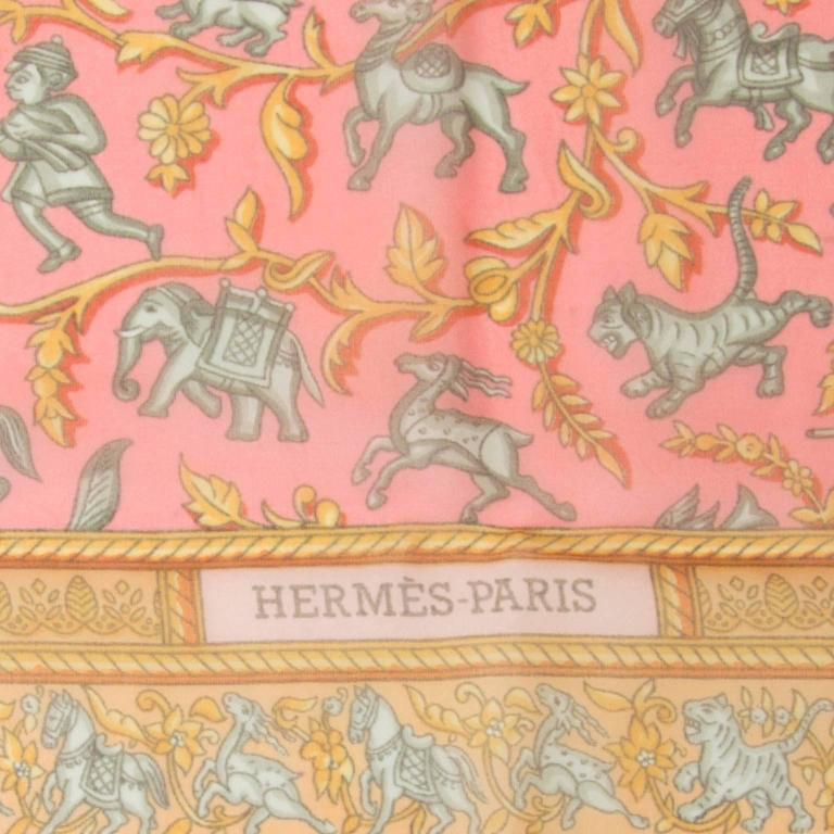 Hermès Mousseline Silk Scarf In Good Condition For Sale In Antwerp, BE
