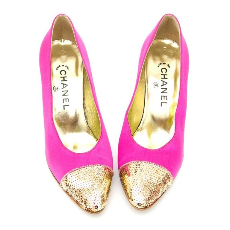 Chanel Pink Pumps  In Good Condition For Sale In Antwerp, BE