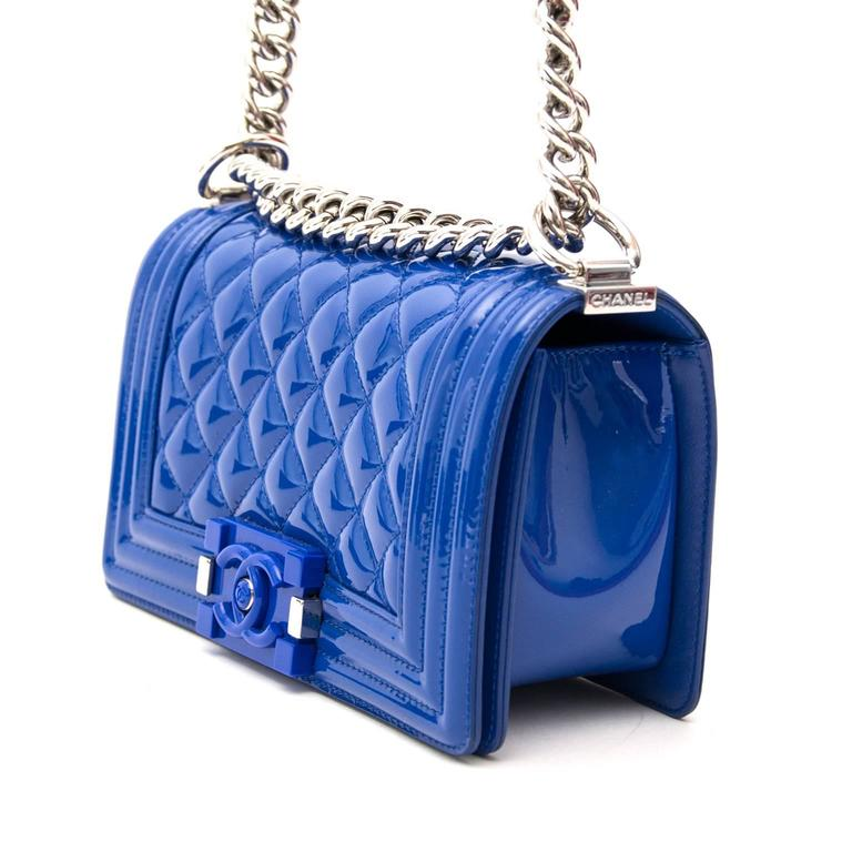 Chanel Patent Petrol Blue Boy Bag with Plexiglass CC Boy Clasp In Excellent  Condition For Sale 7ca7faa9f909