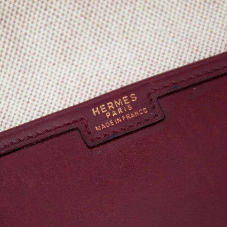 Hermes Bordeaux Jige Clutch In Fair Condition For Sale In Antwerp, BE