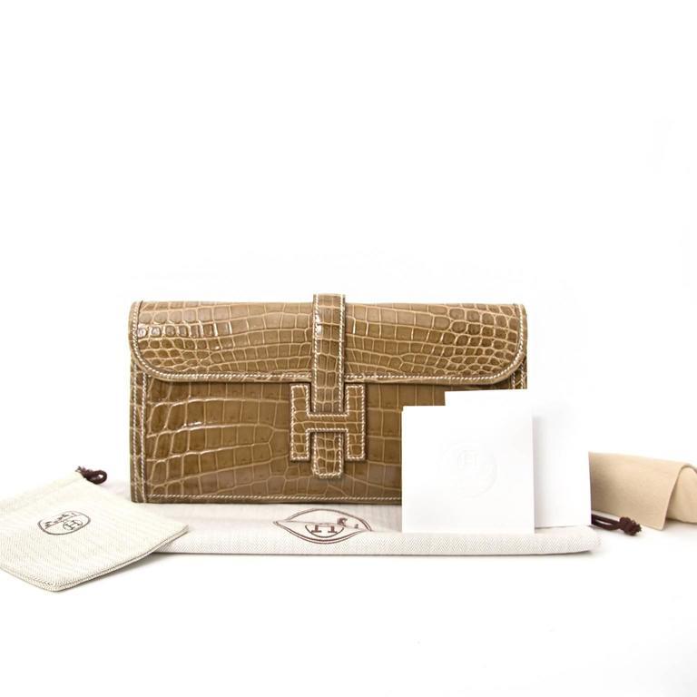 Brown Hermes Pochette Jige Elan 29 Crocodile Niloticus Lisse Ficelle For Sale