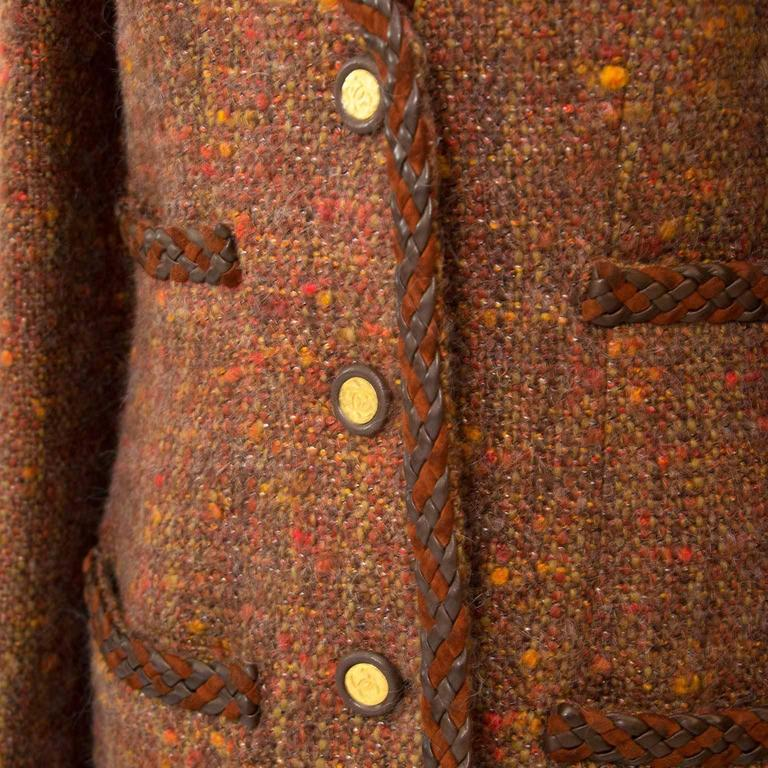 Chanel Autumn Wool Blazer - Size 40 In Excellent Condition For Sale In Antwerp, BE