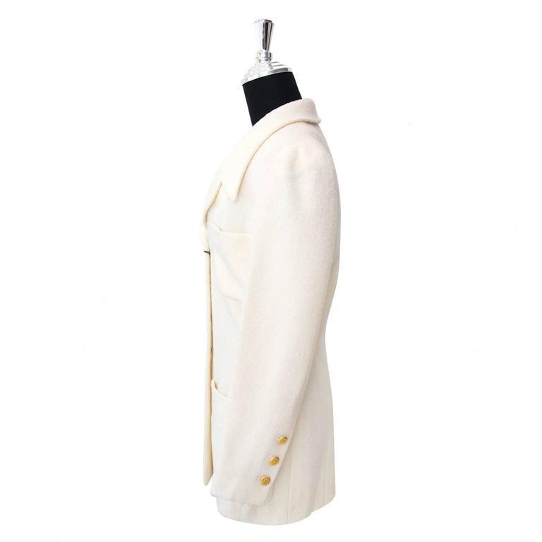 Chanel Beige Woolen Blazer - Size: 38 2