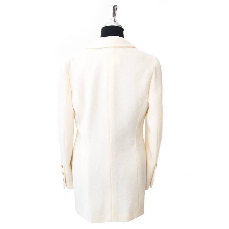 Chanel Beige Woolen Blazer - Size: 38 3