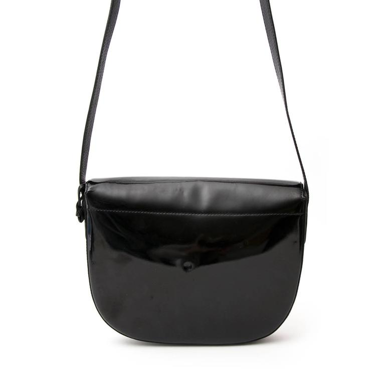 Delvaux Black Crossbody Bag Patent Leather  In Good Condition For Sale In Antwerp, BE