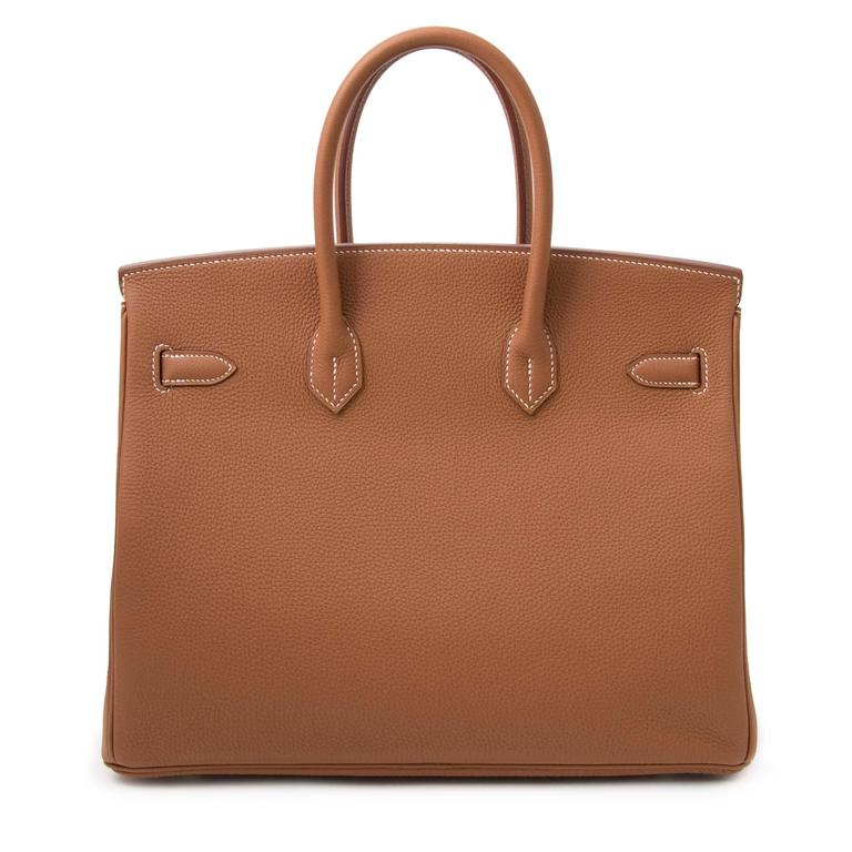 'Gold' is one of Hermès classiest and timeless color. It goes with everything as it's perfect neutral color. The bag is made out of smooth togo leather and is accentuated with palladium hardware.  Treat yourself with this beautiful Birkin and get