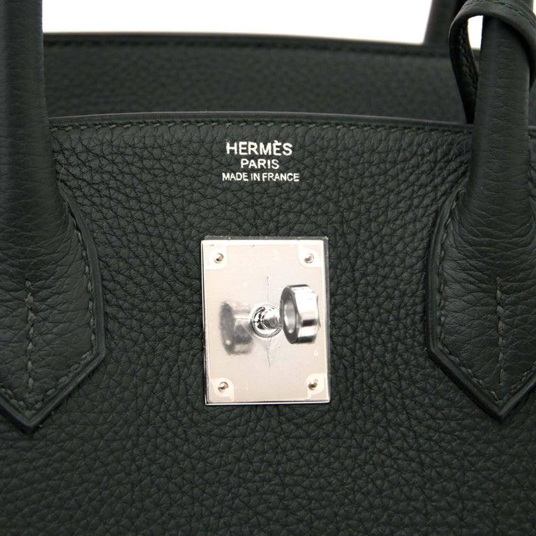 Hermes Birkin 30 Togo Vert Fonce PHW In New Never_worn Condition For Sale In Antwerp, BE