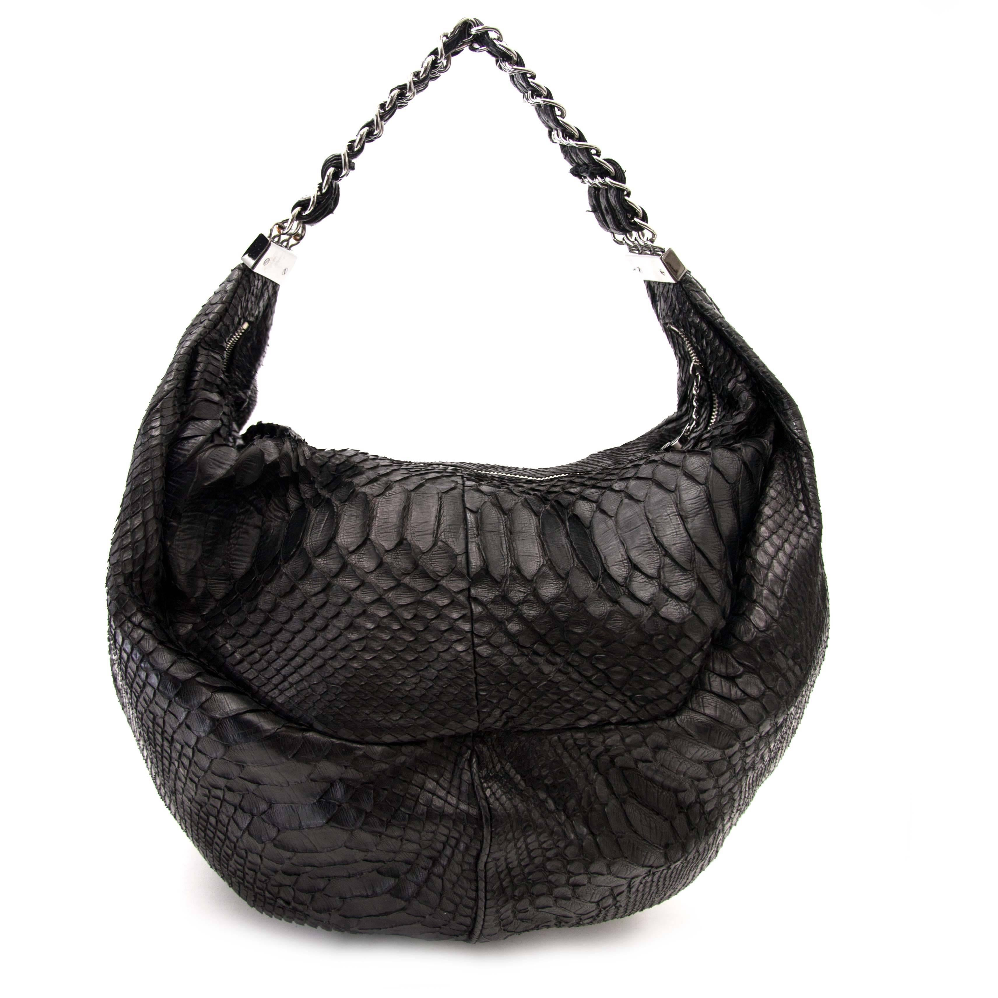 0f3cb4f01396 Chanel Python Black Hobo Bag For Sale at 1stdibs