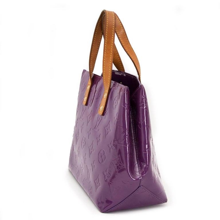 Louis Vuitton Vernis Reade PM Violette Top Handle Bag In Excellent Condition For Sale In Antwerp, BE