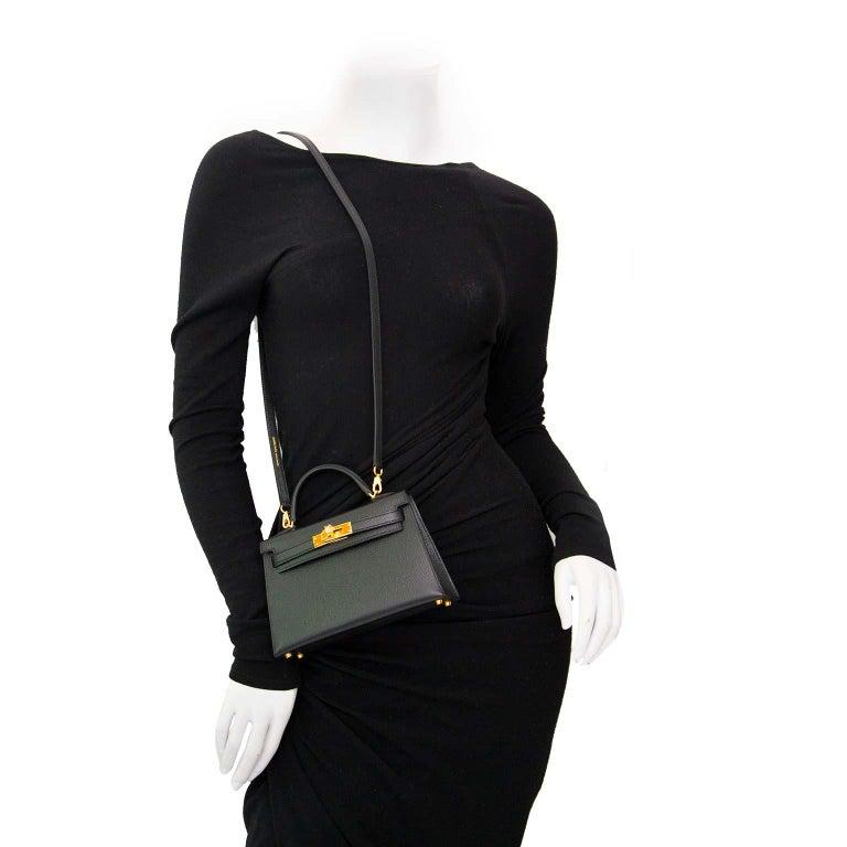 b9524bd7332d Women s or Men s Hermes Kelly Mini II 20cm black epsom GHW Bag For Sale