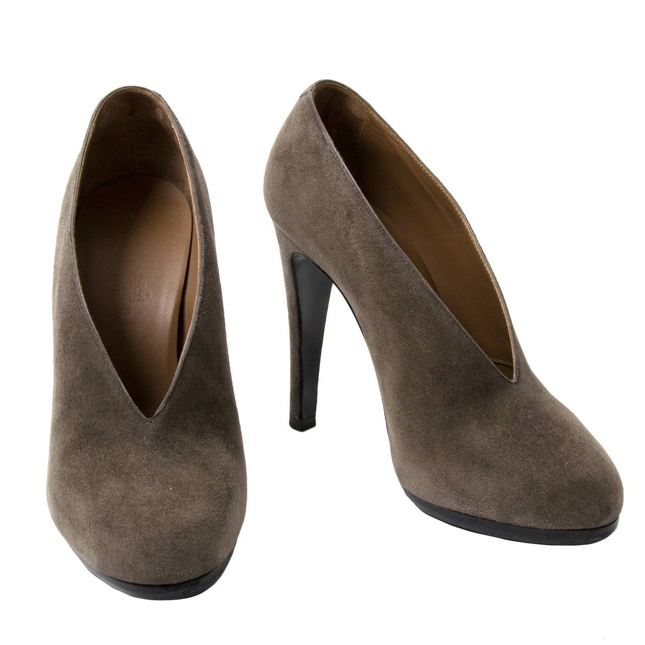Herm 232 S Grey Suede Pumps At 1stdibs