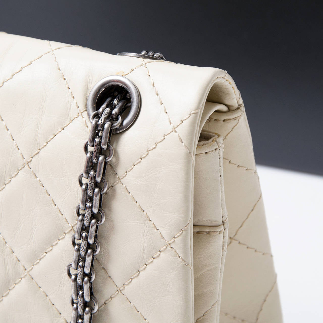 Chanel Snow White 2.55 Reissue For Sale 2