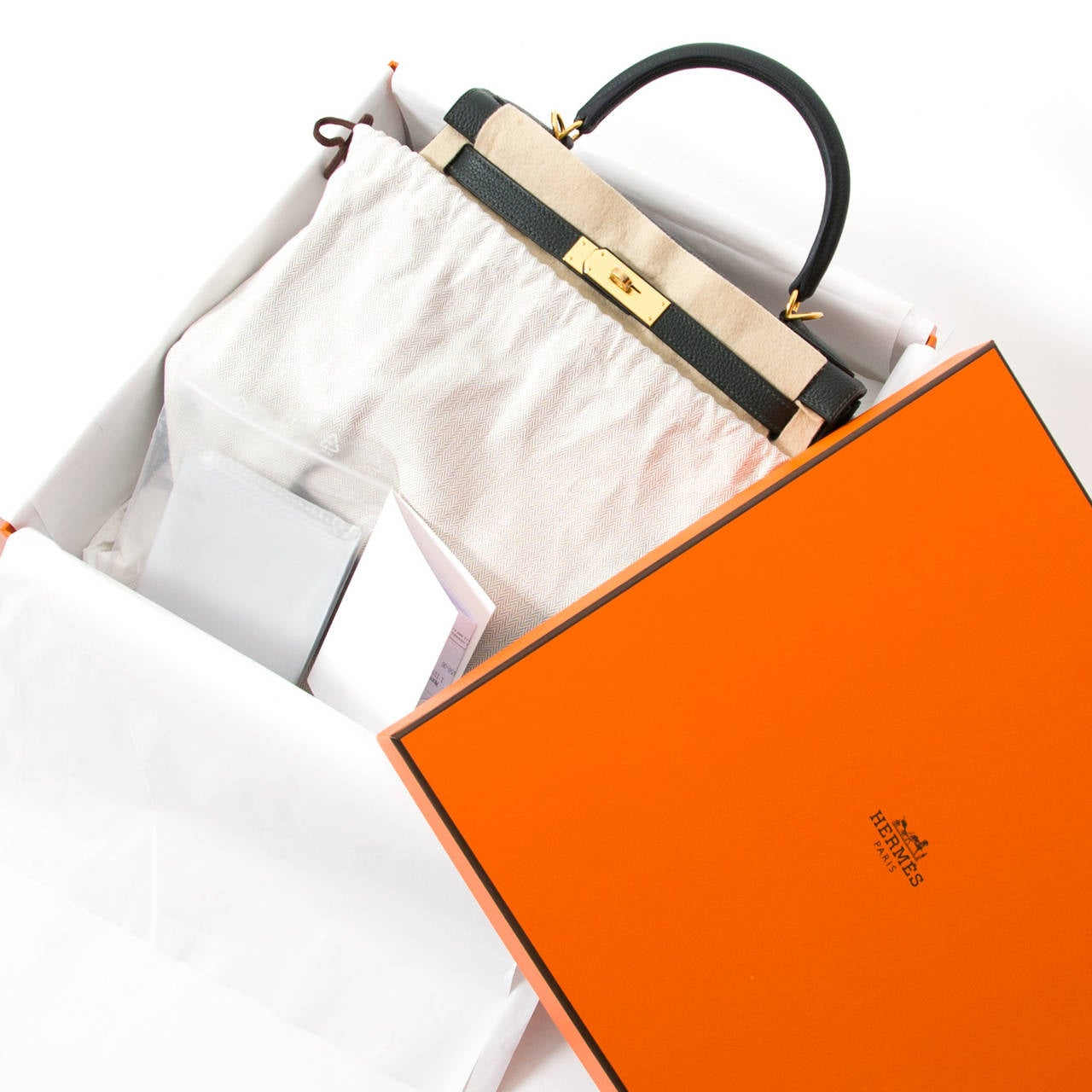 99d9b37e5ada BRAND NEW Hermès Kelly Bag 28 Togo Vert Fonce GHW With Shoulder Strap In New  Condition