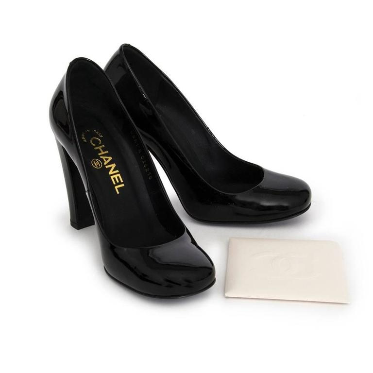 Chanel Black Patent Leather Pumps 4