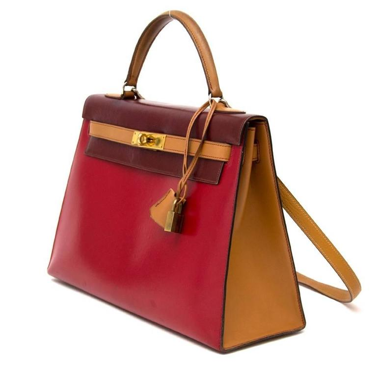 Hermès Kelly 32 Tri Color Box Calf Sellier Vermillion Red, Rouge H & Gold GHW  In Good Condition In Antwerp, BE