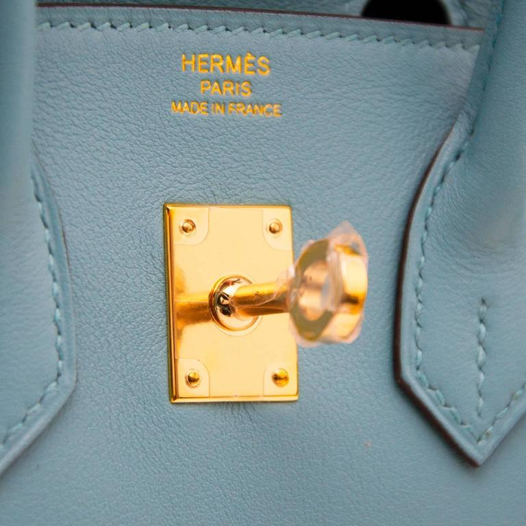 BRAND NEW Hermes Birkin 25 Swift Bleu Saint Cyr In New never worn Condition For Sale In Antwerp, BE