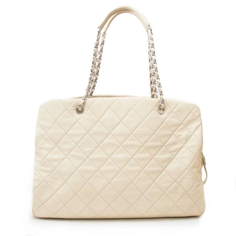 Chanel Beige Leather Grand Shopping Tote In Good Condition For Sale In Antwerp, BE