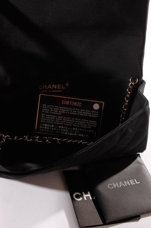 Chanel Satin Camellia Clutch Bag - black/white/silver 7