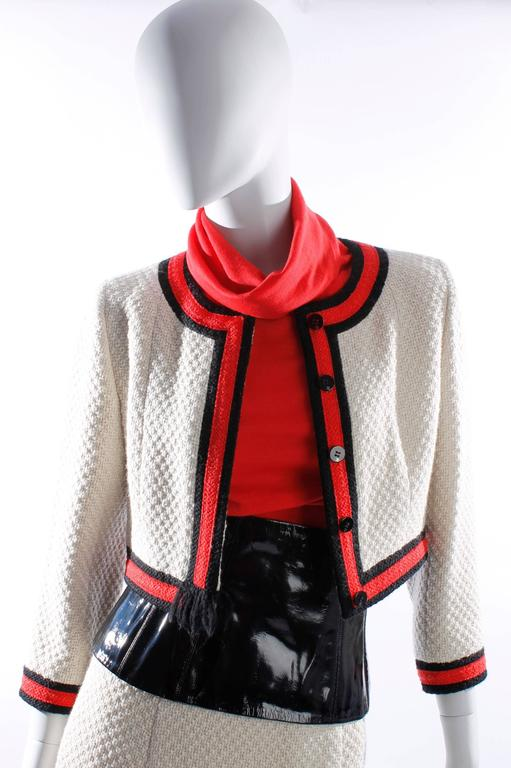 Chanel 4-pcs Suit - cream/red/black wool 5
