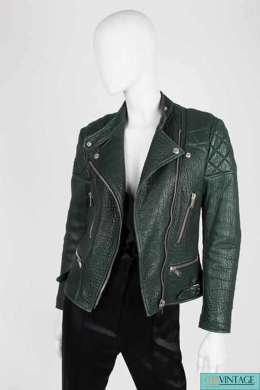 Very rare deep forest green shrunken kangaroo leather biker jacket designed by P In Excellent Condition For Sale In Baarn, NL