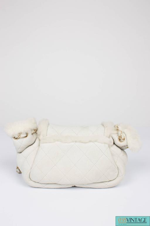 Beige Chanel Leather & Shearling Quilted Bag - off-white For Sale