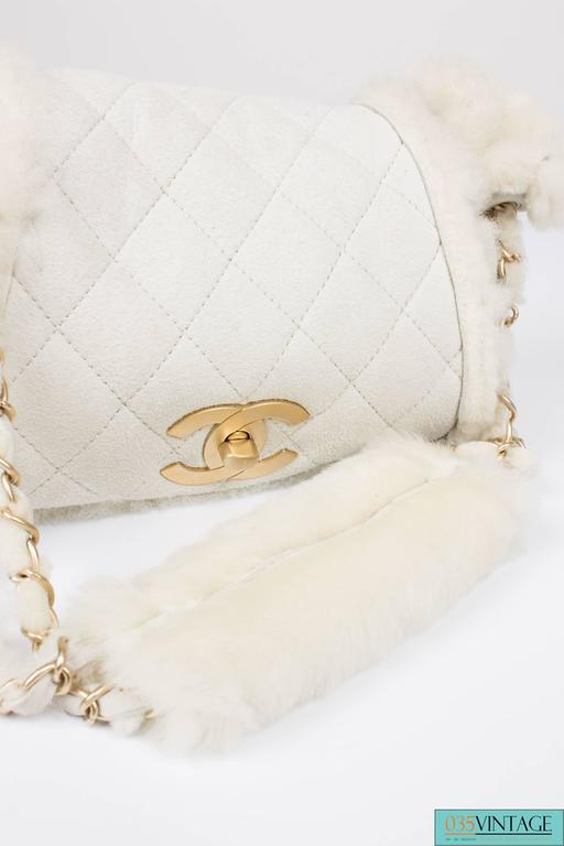Women's Chanel Leather & Shearling Quilted Bag - off-white For Sale