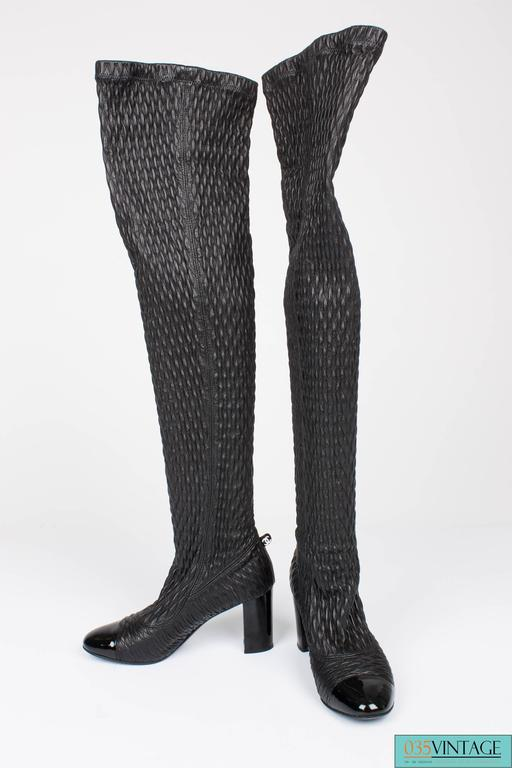 Chanel strech leather  Thigh-high Boots - black  In Excellent Condition For Sale In Baarn, NL