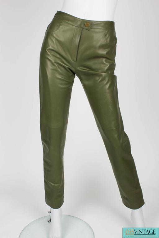 Brown Chanel 4-pcs Suit Coat, Hat, Pants & Top - pink/green bouclé 2001 For Sale